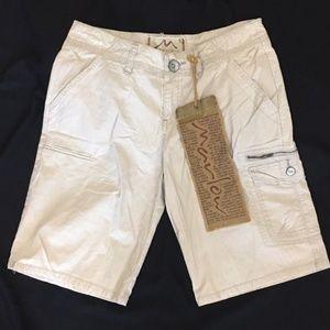 **NWT Marlow Bermuda Shorts Size 28